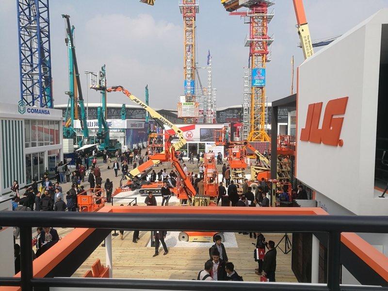 JLG高空作业平台亮相宝马展